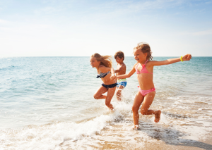 Beach games to entertain kids
